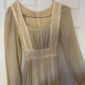 Vintage Cream Lace Gunne Sax Dress